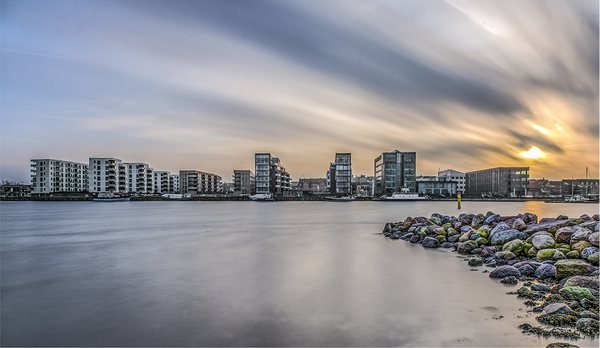 ND-filter, long exposure photography. ND-filter 10 stop, B+W ND 3,0 1000X. ISO 100, f/18, 1 min. Cityscape - Holbaek Denmark.